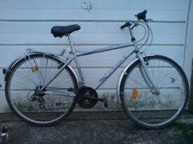PARKSIDE HYBRED COMMUTER AND TOURING BIKE