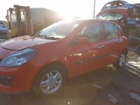 2007 RENAULT CLIO MK3 1.4 16V DYNAMIQUE 5 SPEED 5 DOOR RED BREAKING FOR PARTS