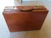 Men's leather vintage briefcase