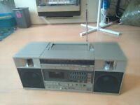 Vintage Technics Boombox - FULLY WORKING / Radio / Tapedeck / Aux In / Graphic EQ