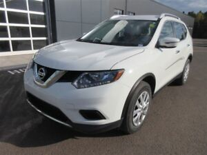 2016 Nissan Rogue S! AWD! BACK-UP CAM! BLUETOOTH! ONLY 23K!