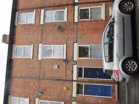 Double room available in four bedroom property in NG7 5LY Nottingham