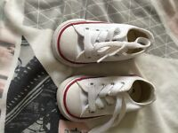 Baby white converse like new