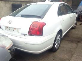 2004 TOYOTA AVENSIS 2.0 D-4D. DIESEL. White. BREAKING FOR PARTS SPARES ONLY.