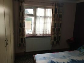 2 double bedrooms available near Hainault station