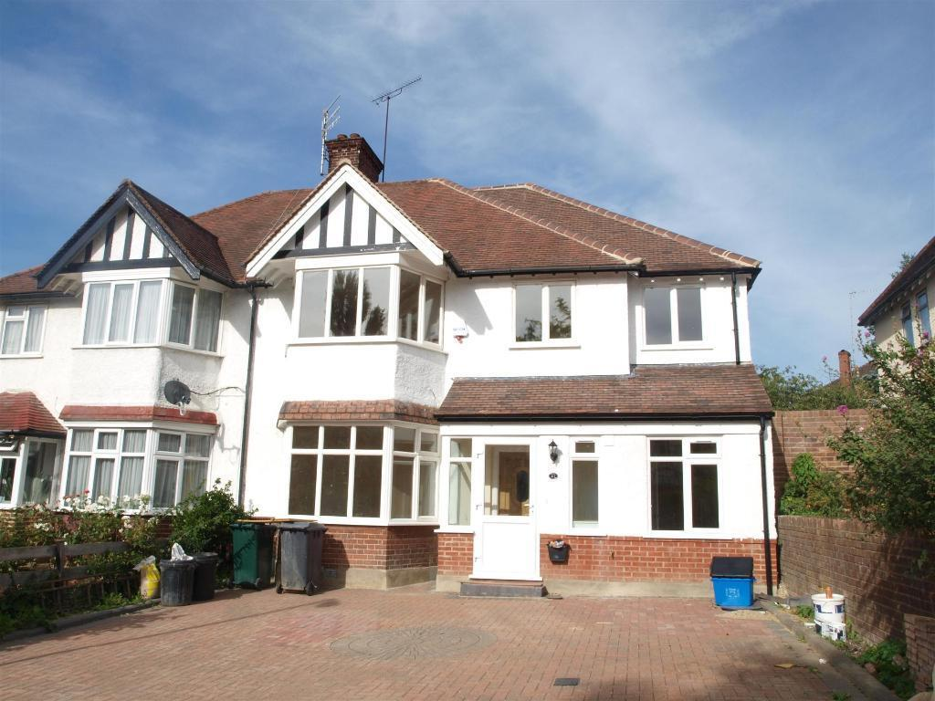 4 bedroom house in Finchley Way, Finchley, N3