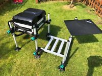 Leeda Carp Seatbox & Footplate complete with Side Tray - AS NEW