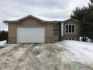 $325,000 - Bungalow for sale in Val Therese