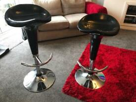 Gas lift black gloss bar stool x2