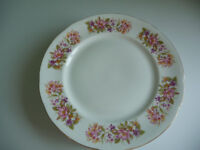 Colclough Wayside (Honeysuckle) - Dinner Plates x 6 in VGC