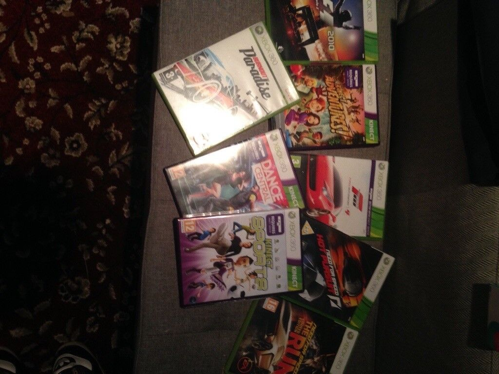 Xbox 360, 8 games and Kinect.