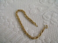 bracelet gold coloured rope chain good condition
