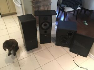 Yamaha Stereo Speakers and base.