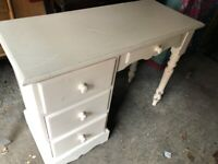 DESK SOLID PINE PAINTED WHITE MODERN CLEAN READY TO COLLECT 4 DRAWERS