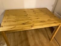 Pine dining table £100