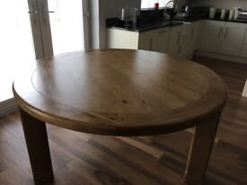 5ftCreations Paris solid oak round dinning table