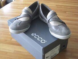 Ladies ecco flat lightweight shoes size 40EU (6-7 U.K)
