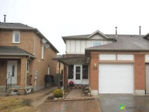 $749,800 - Townhouse for sale in Maple