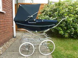 Beautiful Silver Cross coach built pram in excellent condition