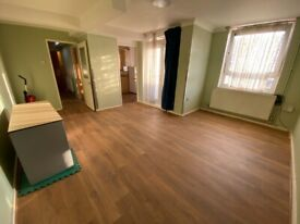 3 Bedroom Maisonette with 2 toilets, Balcony & Separate Living room between Ilford & Barking