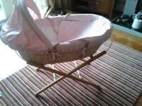 Moses basket and stand - Mamas & Papas