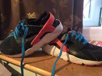Nike Huarache size 5 men/women