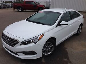 2015 Hyundai Sonata 2.4L - 4 door sedan - Heated S