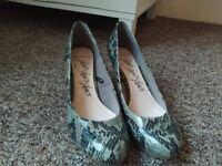 Low heel snake skin M&S size 5(UK) / 38 (EU)
