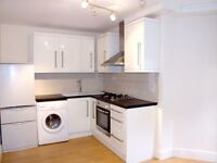 MODERN Large 2 Double Bedroom Flat -- 5 Mins from Hornsey Station