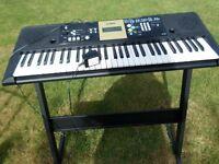 Yamaha ypt-220 keyboard + stand