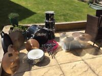 Fusion size drum kit with extras