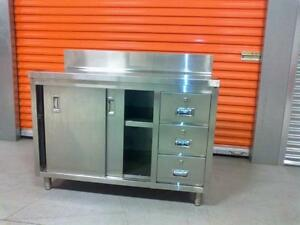 4 feet stainless steel Table