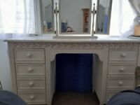 white shabby chic dressing table , not flat pack. sturdy ,mirror is separate vgc
