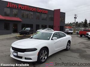 2016 Dodge Charger SXT AWD w/navi, roof, alloys and more!
