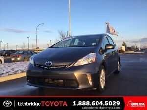 Toyota Certified 2014 Toyota Prius v Luxury - NAV! LEATHER! HEAT