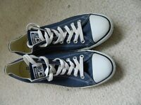 Adult converse never been worn size 9