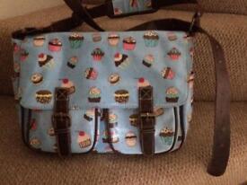Cupcake satchel