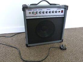Beginner or Practise Guitar Amp. Sound King 20w skak20ra