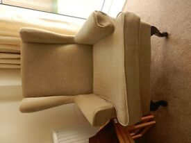 HSL upright chair