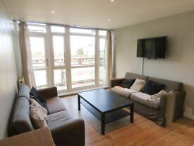 Spacious THREE DOUBLE BEDROOM flat - Winterfold Close, Southfields, London SW19