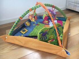 Baby play mat with music box