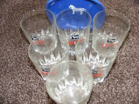 Vintage White Horse Collectables. Wade Ceramic Ashtray & Set Of 6 Glasses.