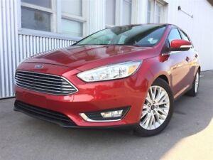 2016 Ford Focus Titanium, LEATHER, BACKUP CAM, SUNROOF.
