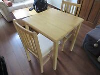 SMALL DINING/KITCHEN TABLE + 2 CHAIRS ( SOLID OAK )
