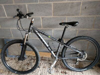 "Ridgeback Terrain x3 Mountain Bike 13"" Frame, 26"" Wheels, Hydraulic Disc Brakes"