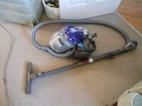 DYSON DC19 EXCLUSIVE PURPLE ROOTS EXCELLENT CONDITION AND STRONG SUCTION