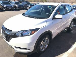 2016 Honda HR-V LX AWD Ony 10K !!!!  Back Up Camera!!