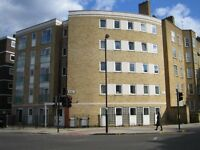 Beautiful top floor 3 bed flat in modern building on Liverpool Road