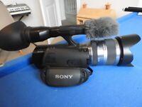 Sony NEX-VG20 Camcorder (Kit w/ Sony 18-200mm OSS lens) INSTRUCTIONS AND BOX