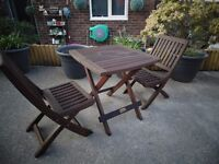 SOLID WOOD CHILDREN'S GARDEN TABLE WITH 2 SOLID WOOD CHAIRS ALL SET IS VERY SOLID AND STURDY